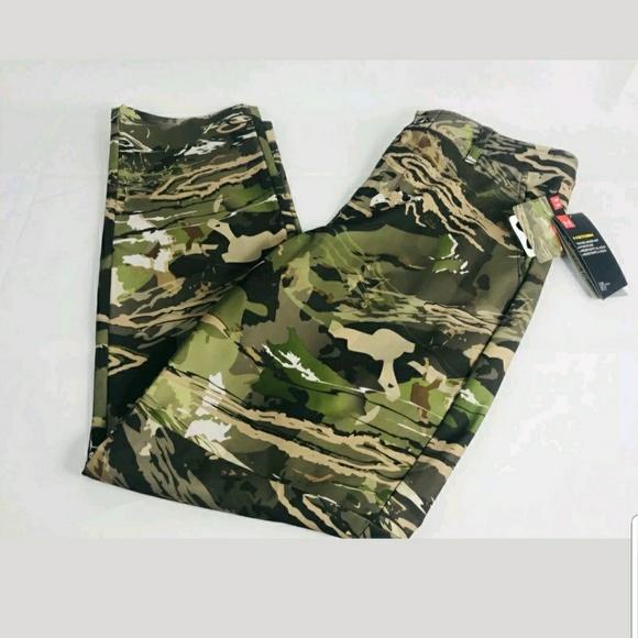 0f3560f9 Under armour forest camo pants boys NWT